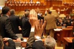 s560x316_plen-Parlament