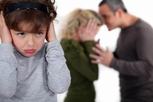 Violenta-domestica-familie-cum-te-aperi